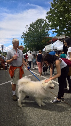 Dogs are welcome at the Sunday Fremont Market